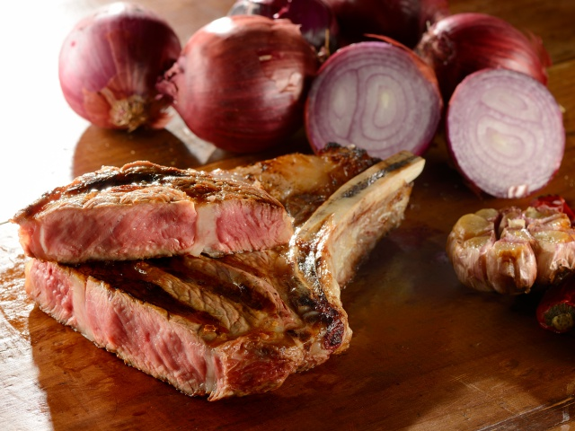 Prime Rib é destaque na Steak Steak, nova casa de carnes de Curitiba