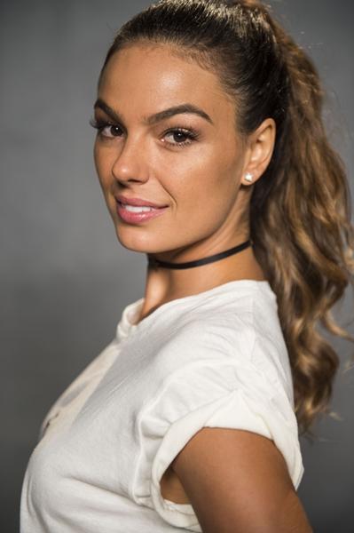 Ritinha ( Isis Valverde )
