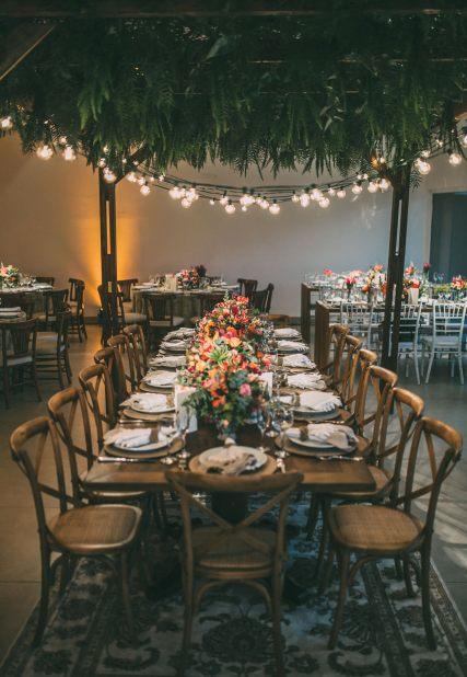Madera_Como escolher moveis para cada tipo de festa_Casamento - Mesa noivos (2) web